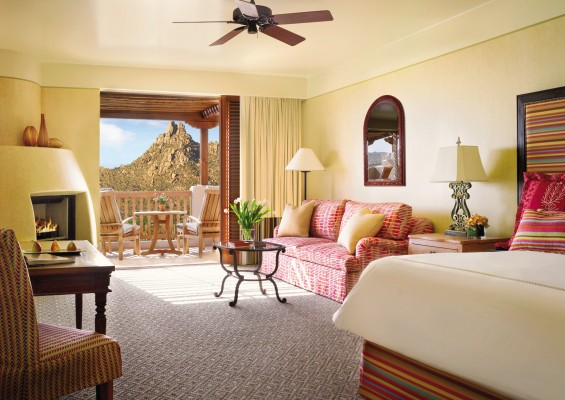 Guest room at Four Seasons Scottsdale at Troon North