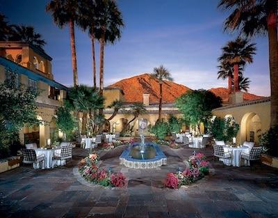 Royal Palms courtyard