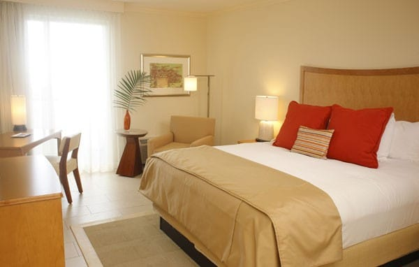 Hilton Clearwater guestroom