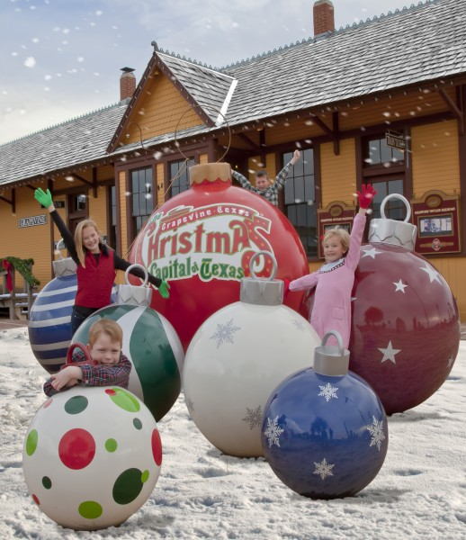 Christmas Vacation: Christmas in Grapevine Texas - Wander With Wonder